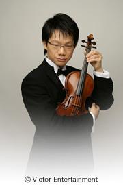 バイオリンを持つなりみち